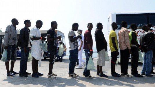 Immigrati richiesta asilo ambasciate coronavirus