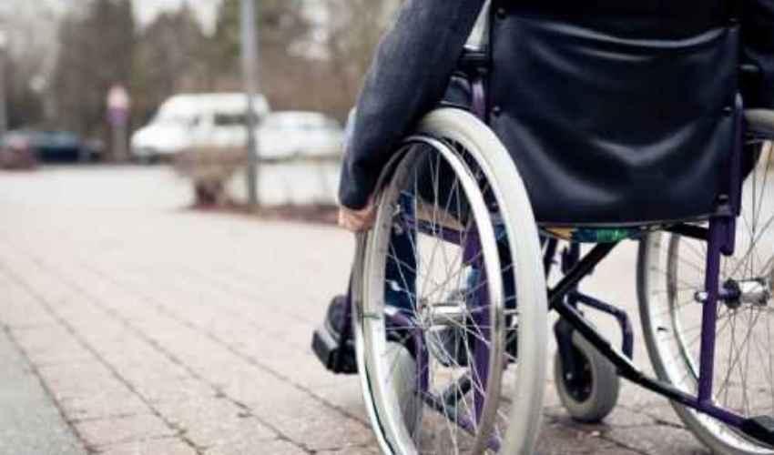 Sì alle uscite per i disabili