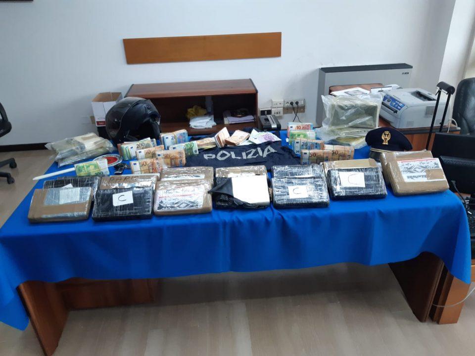 Spaccio droga: inseguito e arrestato a Prato