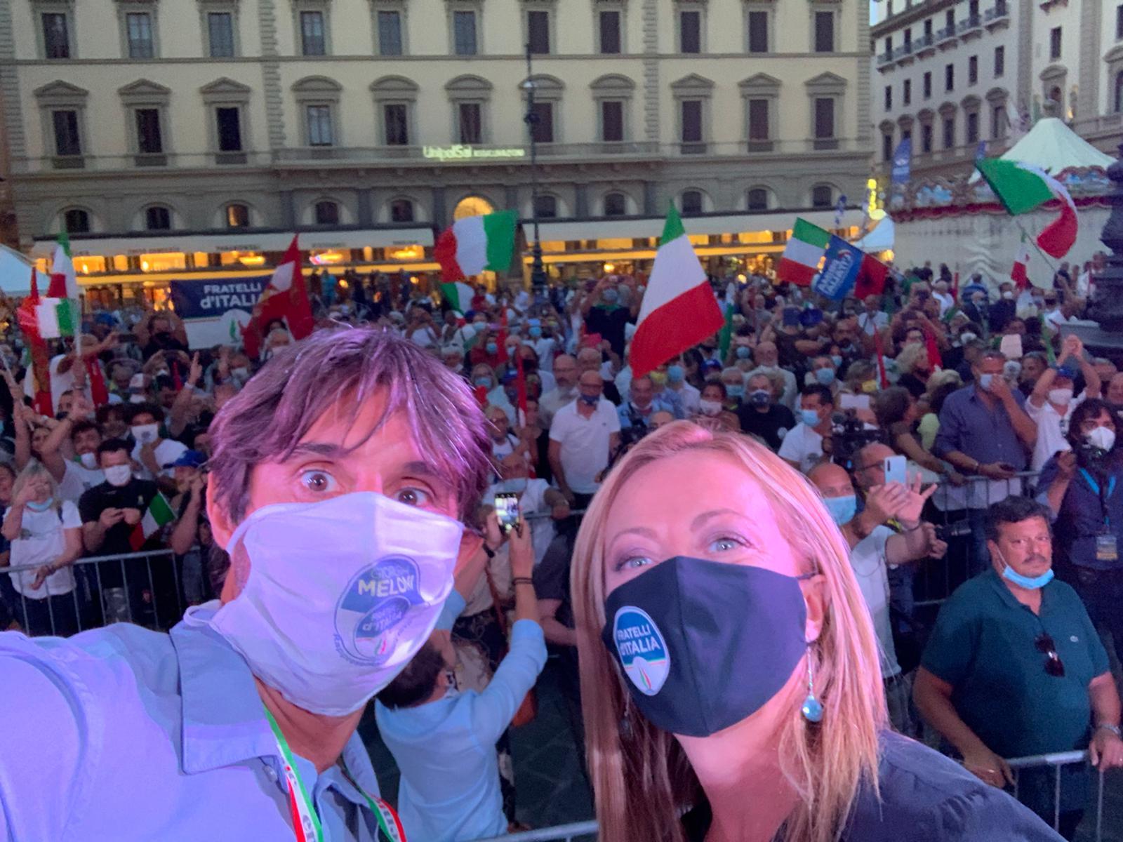 selfie con Giorgia e piazza