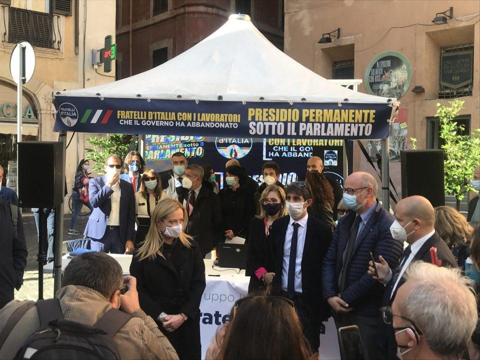 Presidio permanente di Fratelli d'Italia: Donzelli e Meloni