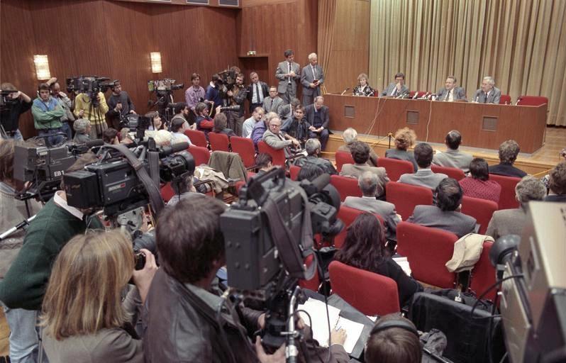 Quando il Muro di Berlino cadde per la domanda di un giornalista
