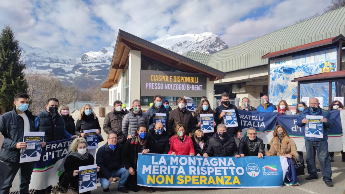 Barzio fratelli d'italia montagna manifesta